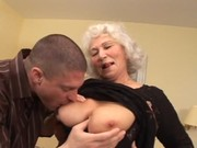 In die Omas rein gespritzt