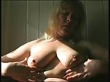 Ältere Frau macht es sich selbst