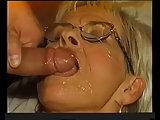 Sperma für alte Frauen mit Brille