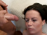 Vollbusige Ladies bekommen Gesichtsbesamung