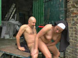 Fick mit einer deutschen Nonne im Freien