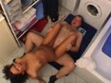 Rassige Deutsche bekommt Badezimmerfick