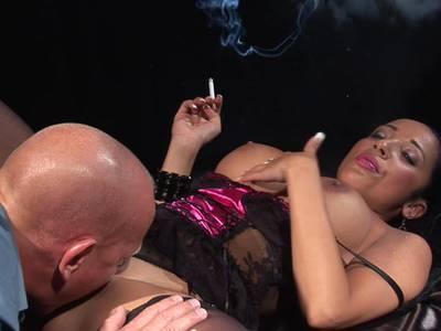 Zigarette rauchen beim ficken